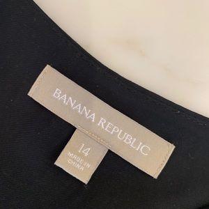 BR sleeveless black blouse. Sz 14.